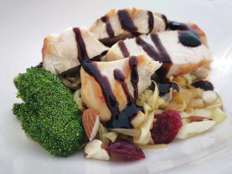 La base de la dieta keto es 75% de grasa, 20% de proteína y 5% de carbohidratos
