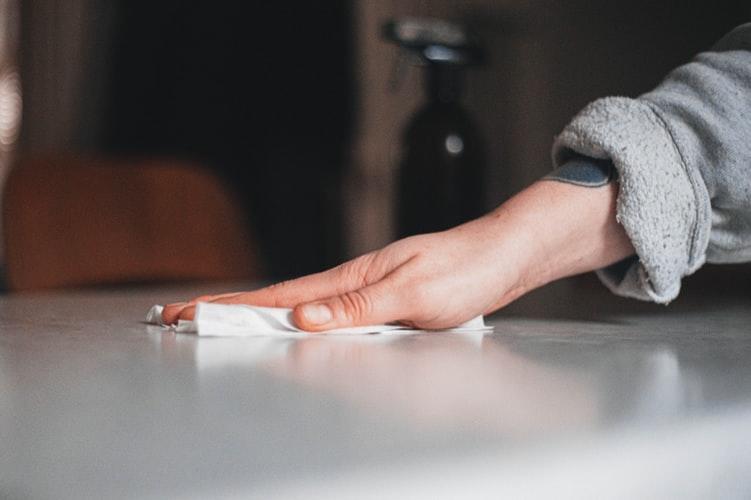 Cómo hacer toallitas desinfectantes caseras con cloro paso a paso