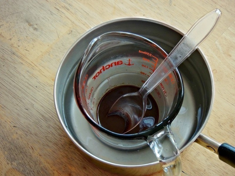 bálsamo labial casero de chocolate y menta- procedimiento