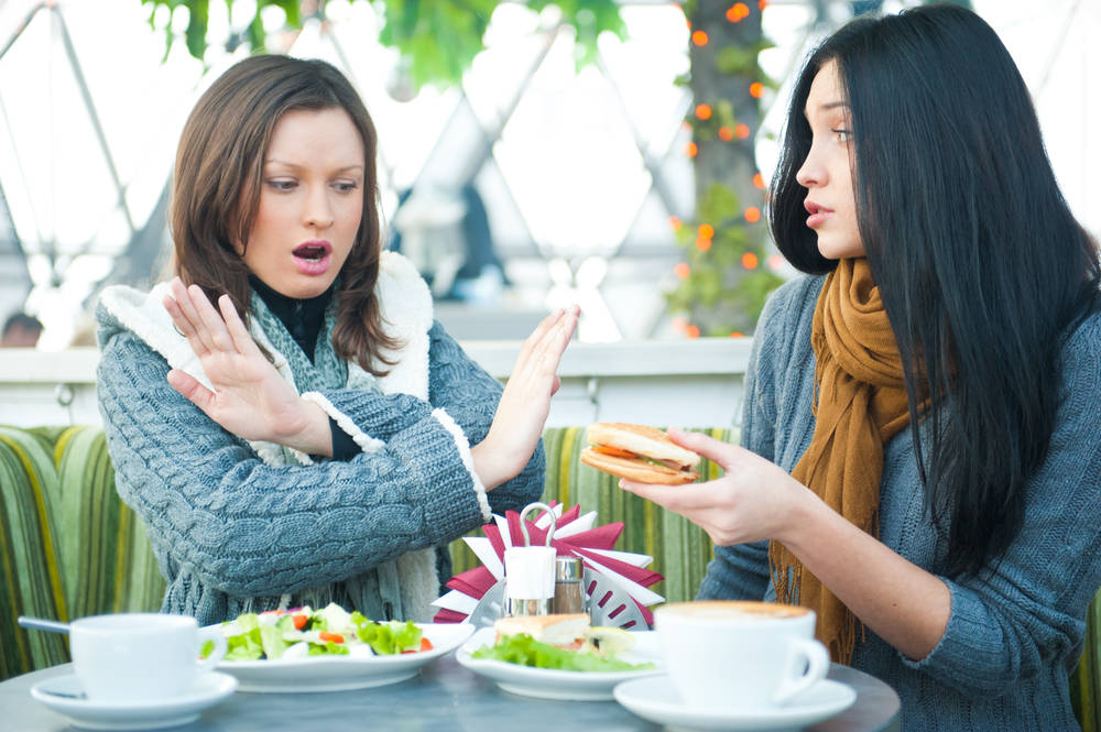 Teria: un trastorno en el que comer se vuelve una fobia