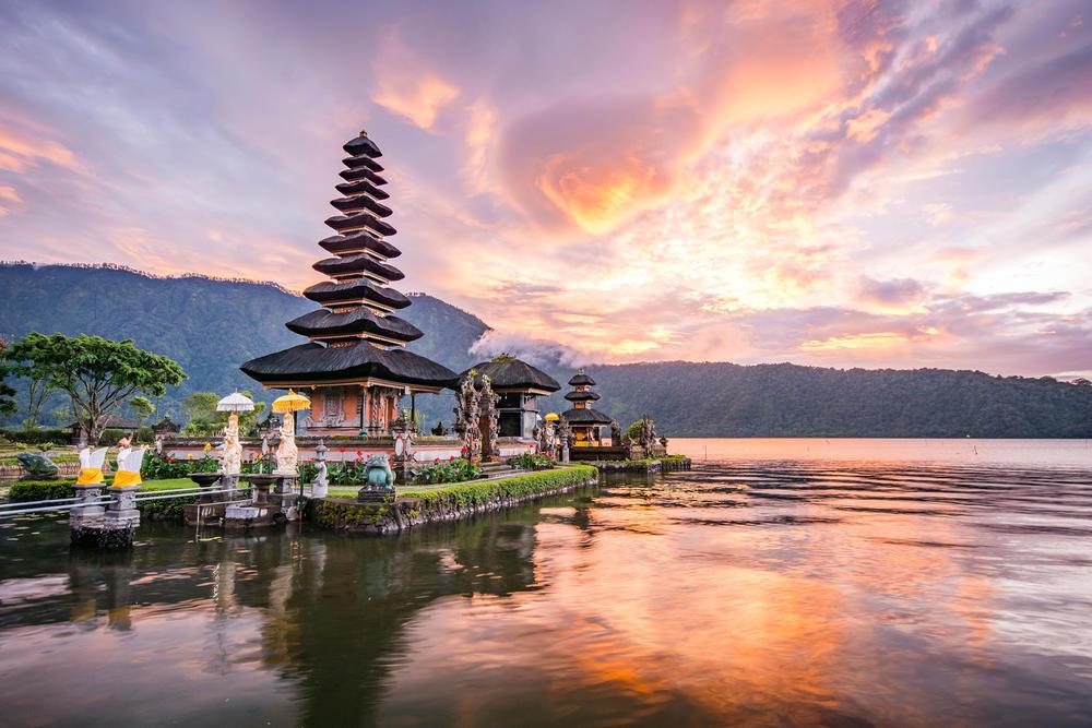 La isla de Bali permanecerá cerrada a los turistas extranjeros hasta 2021