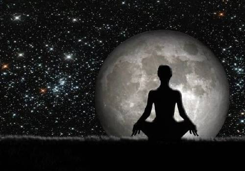 """Este mes hay \""""luna oscura\"""": qué es y cómo nos está afectando su energía"""