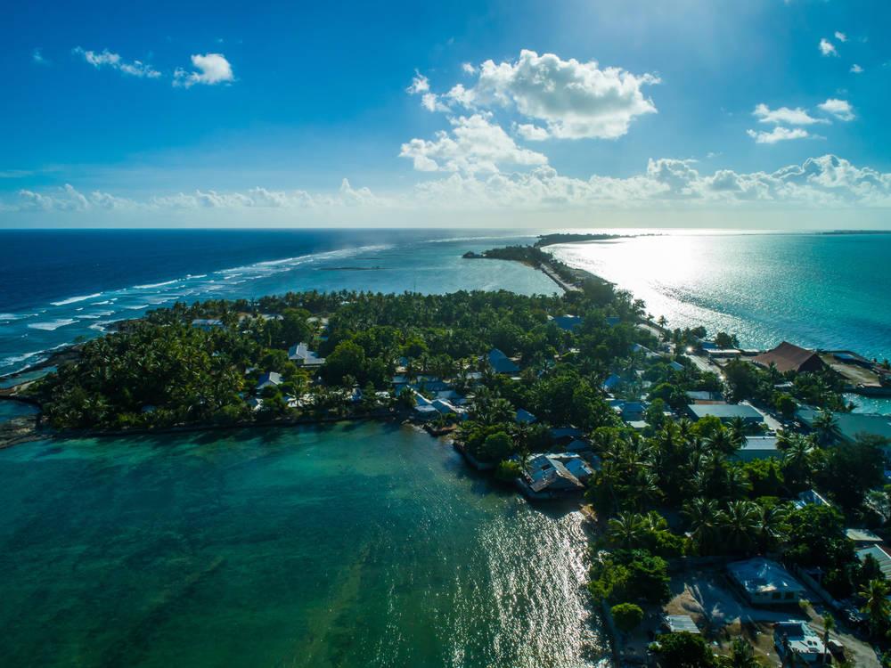 Dos metros, la delgada línea que separa a Kiribati del mar