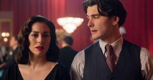 5 series de Netflix ideales para ahogar penas de amor