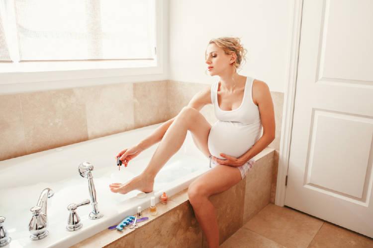 Efectos del esmalte de uñas en las embarazadas
