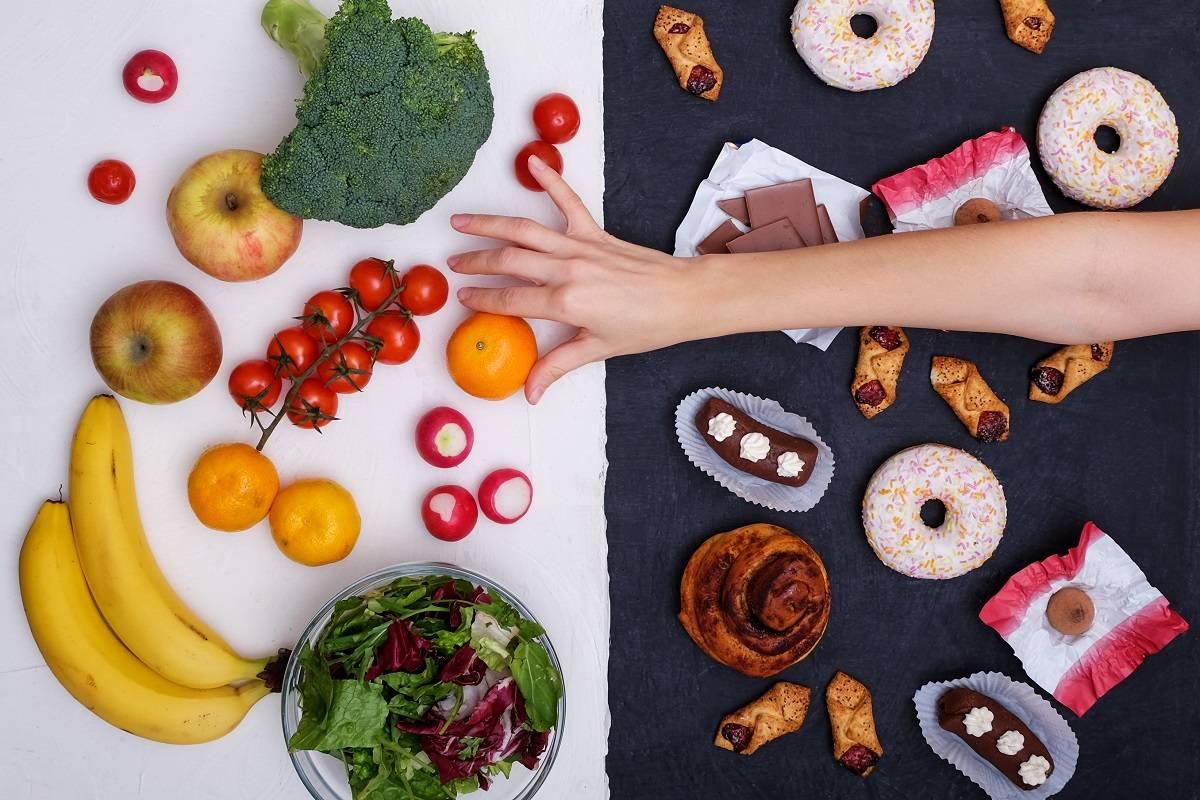 La comida chatarra favorece el envejecimiento biológico, según estudio