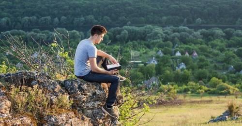 4 libros de José Saramago que te volverán más humano