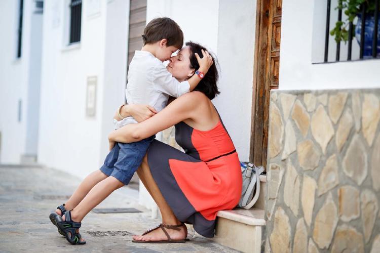 abrazo niño 2