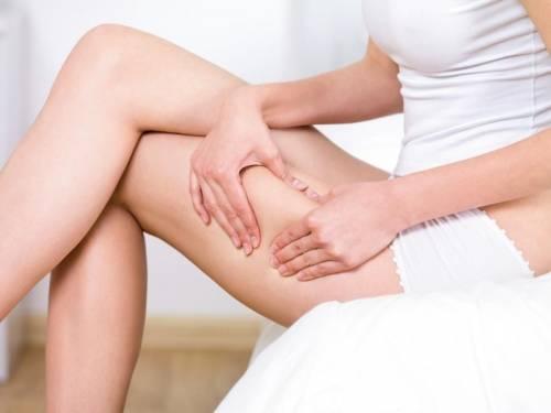 Cómo usar el hueso del aguacate para combatir la celulitis y aflojar piernas ..
