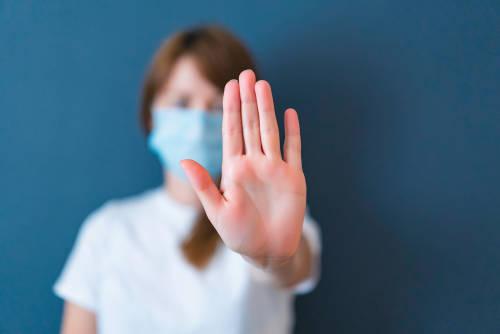 COVID-19: La pandemia no puede hacernos caer en la germofobia
