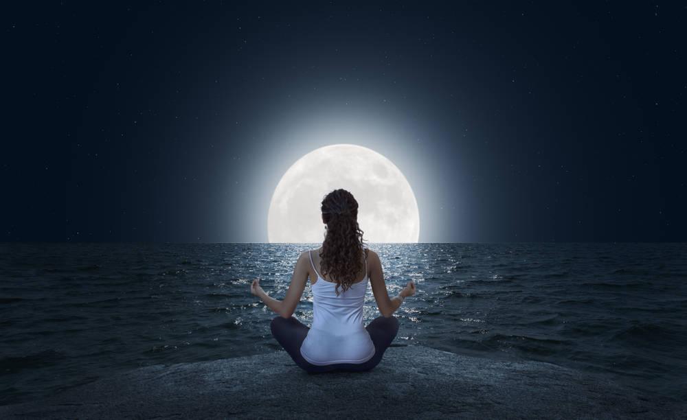 Superluna: su energía nos recuerda que lo mejor no se alcanza en soledad