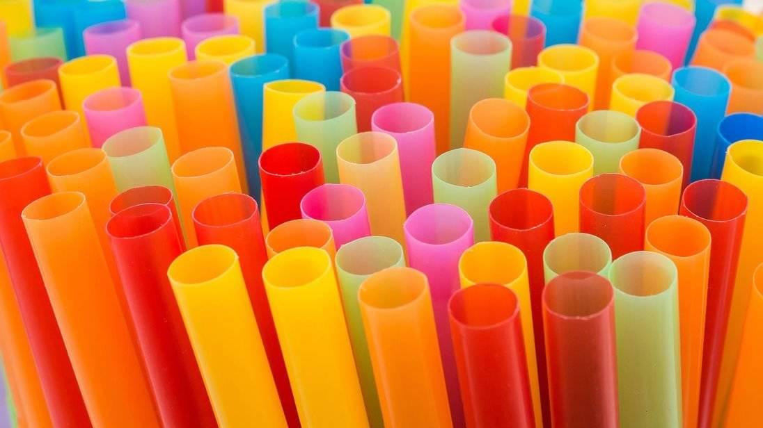Sorbetes: un pequeño plástico con un gran impacto en el ambiente