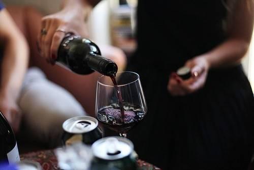 5 grandes beneficios de beber vino comprobados al 100%
