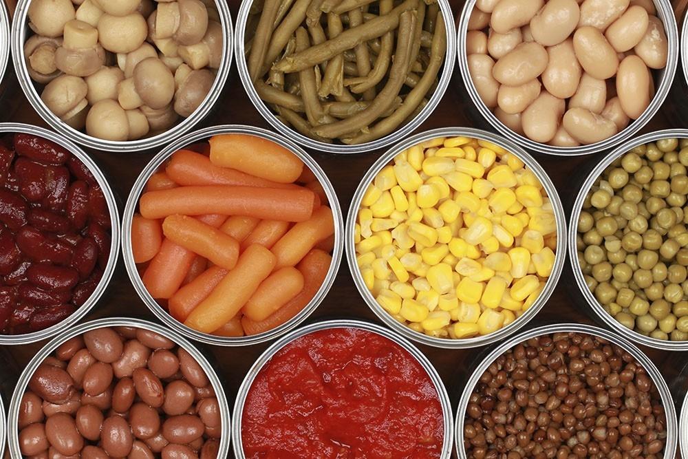 explica la diferencia entre alimentos y nutrientes