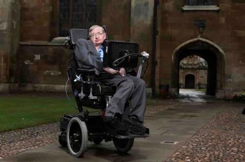 Stephen Hawking predijo que un virus acabaría con la humanidad