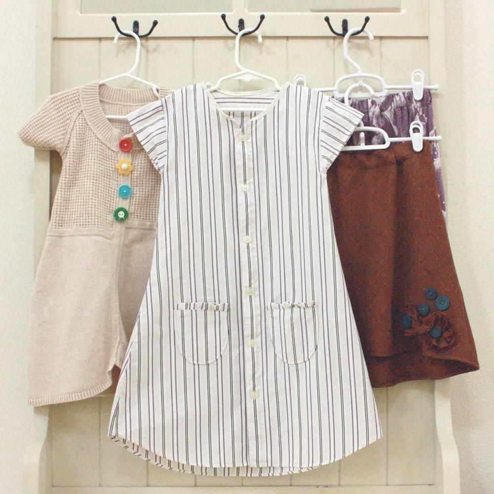 Cómo convertir una vieja camisa en un vestido de niña