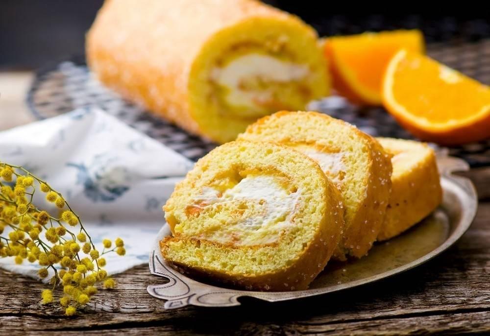 Arrollado con crema de naranjas