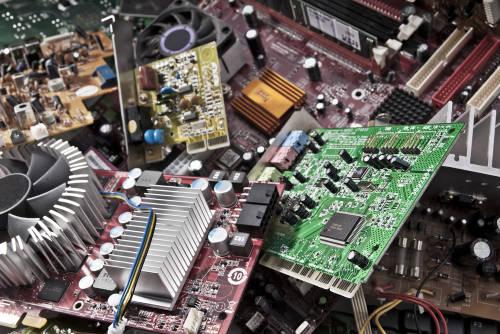 Basura electrónica: un 90% de las partes de son reciclables