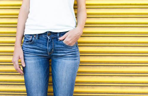 Guía paso a paso para cuidar y reparar tus jeans preferidos