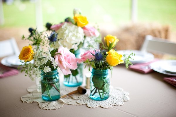 mason-jar-blue-vintage-wedding-centerpieces