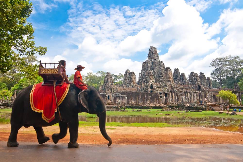 Camboya le puso fin a los paseos sobre elefantes en Angkor Wat
