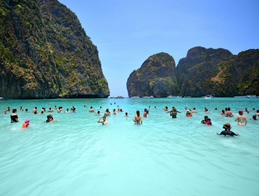 La película La Playa, protagonizada por Leonardo DiCaprio, fue rodada en la bahía de Maya