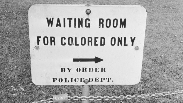 Los blancos tenían preferencia para acceder a todos los servicios