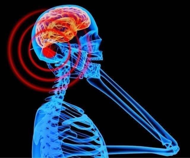 ¿Qué teléfonos móviles emiten más radiación y qué puedes hacer al respe..