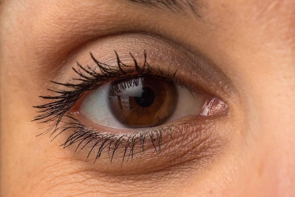 Cómo eliminar las bolsas en los ojos