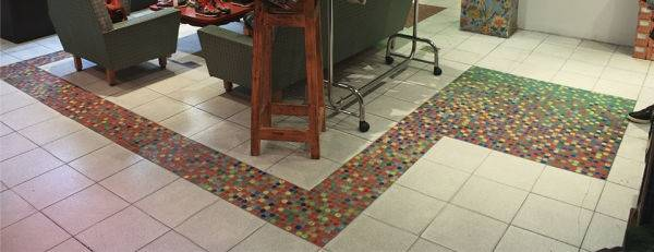 Pisotapitas: un emprendimiento sustentable de mosaicos ecológicos