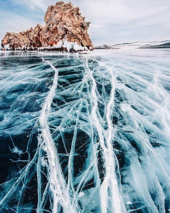La belleza del lago más profundo y antiguo de la Tierra