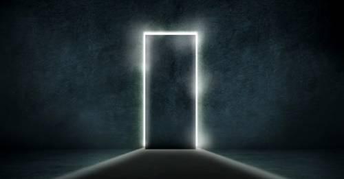 ¿Qué dirías que simboliza esta puerta negra para ti?