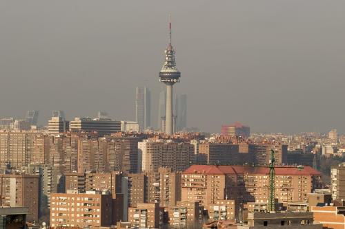 Hallan un billón de microplásticos en el cielo de Madrid