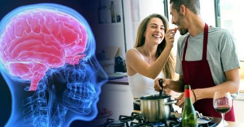Salud mental: todo esto le pasa a tu cerebro cuando te pones a cocinar