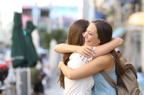 4 beneficios inesperados del contacto físico que probablemente no conocías