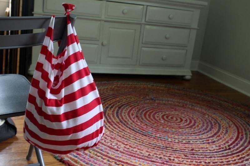 Convierte una camiseta vieja en una bolsa en solo 10 minutos