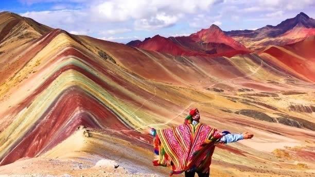 La montaña de colores peruana recién descubierta ya está en peligro de desa..