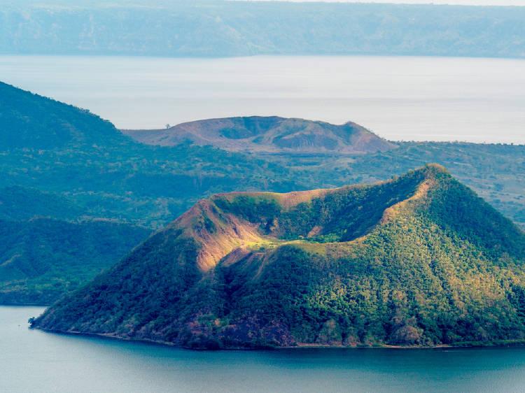 volcan taal filipinas