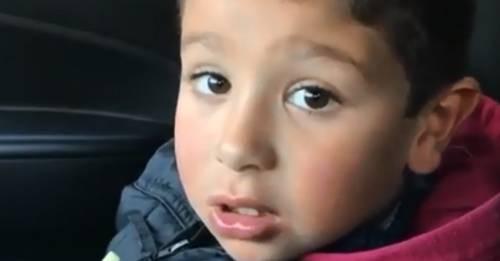 Este niño cuenta un chiste que hace sonreír a los más tristes y se hizo viral
