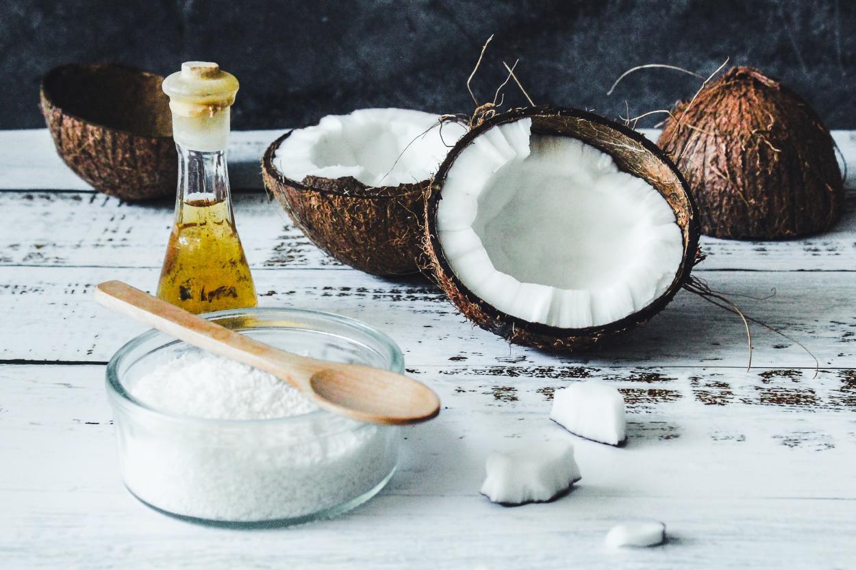 Cómo hacer aceite de coco en casa y aprovechar sus beneficios