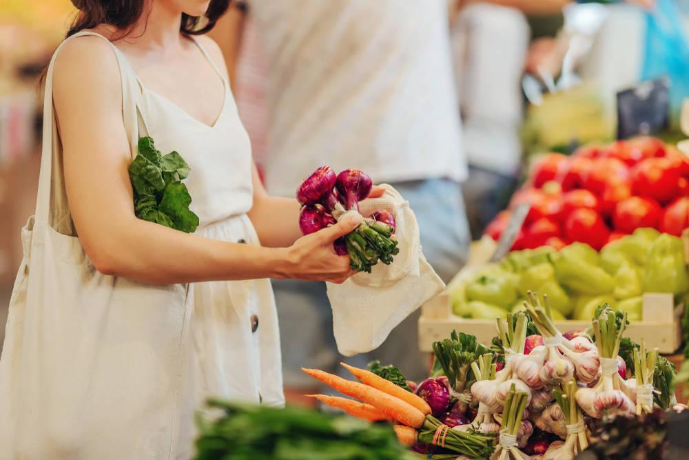 Qué frutas y verduras de estación debemos comprar en primavera