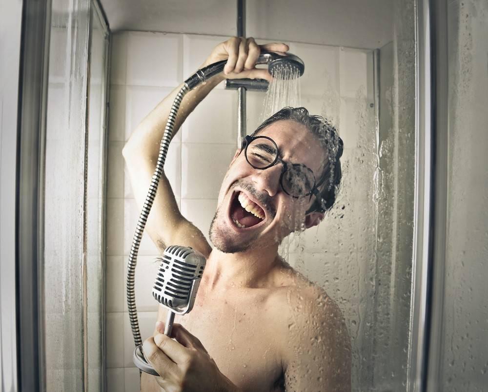 Cantando bajo la ducha: aprende a co-crear el mejor día de tu vida