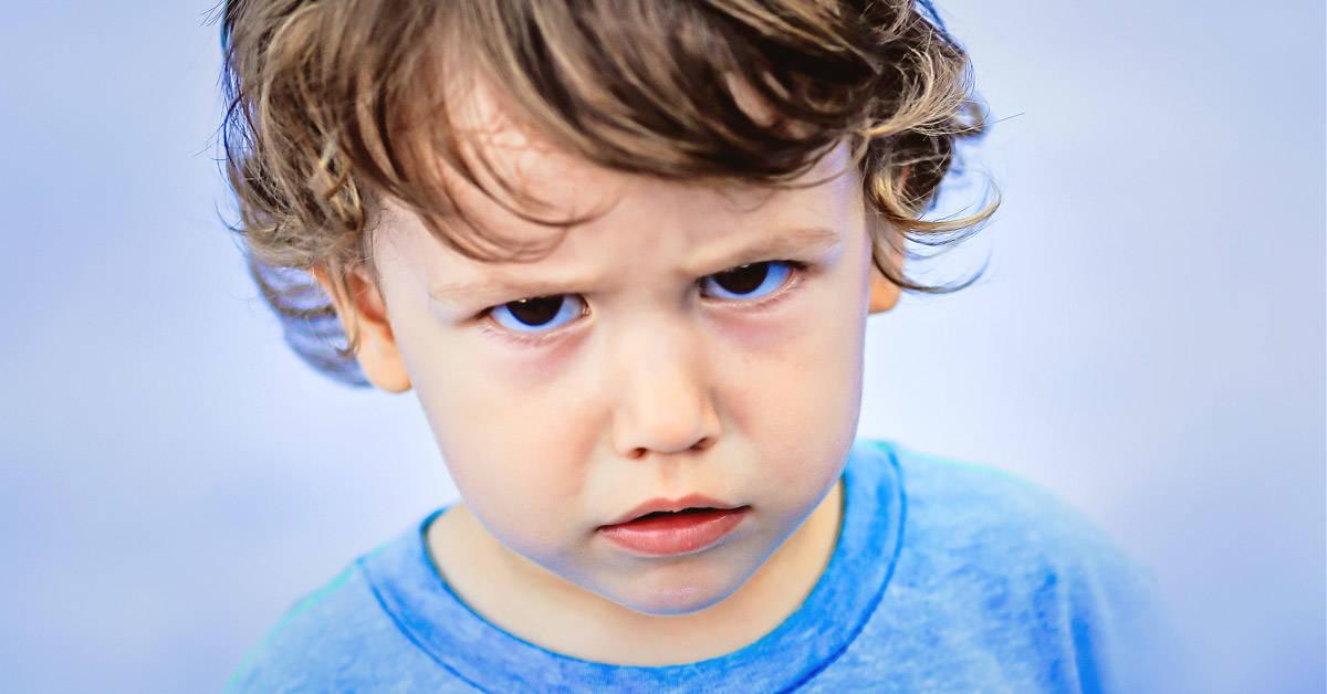 6 cosas que nunca debes decirle a tus hijos mientras los regañas