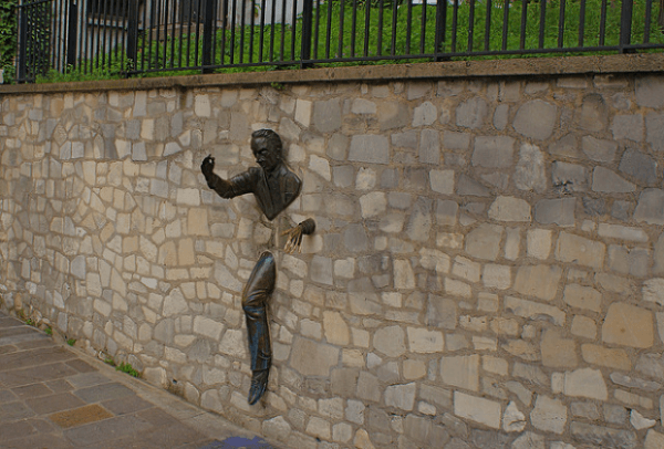 Le Passe-Muraille, o Man in the Wall, París, Francia