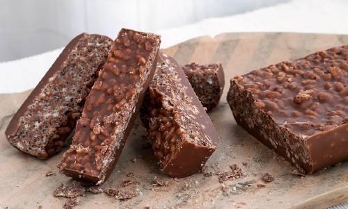 Turrón casero de chocolate, ¡sin azúcar, harina ni leche!