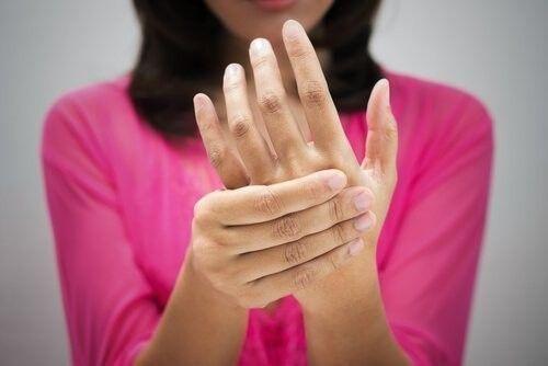 se duermen las manos