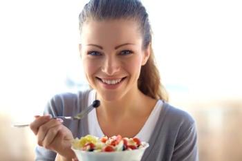 mujer bowl frutas