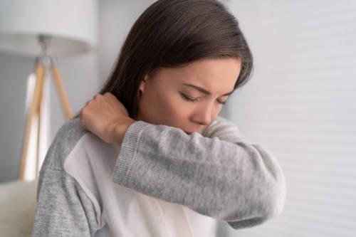 COVID-19: Por cuánto tiempo contagia una persona antes de mostrar síntomas