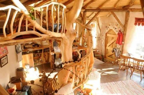 Ordenan demoler una casa construida de manera ecológica