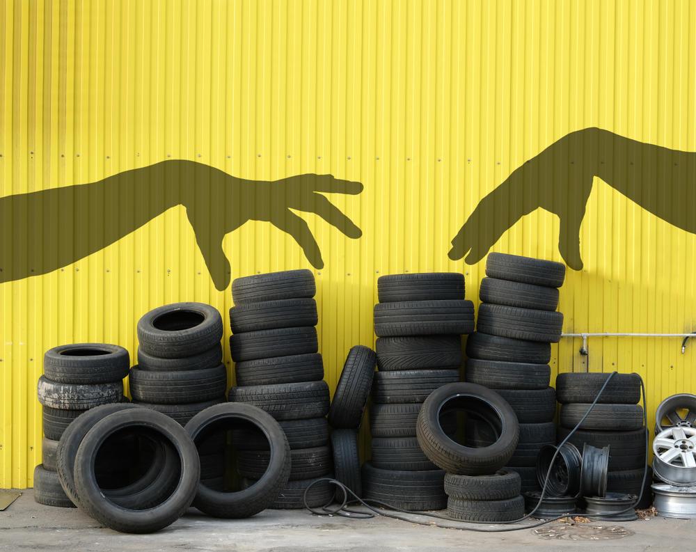 Aflorart, el emprendimiento que convierte los neumáticos en muebles restaurados